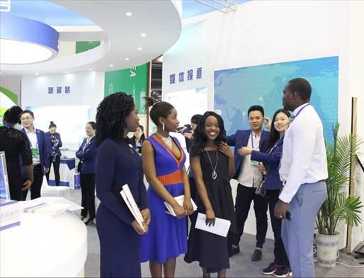第十二届中国(河南)投洽会 豫满全球成绩丰硕 非洲模特活力吸睛3
